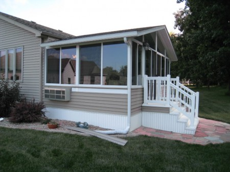 Four seasons sunrooms of northwest indiana room addition for Prefab house additions